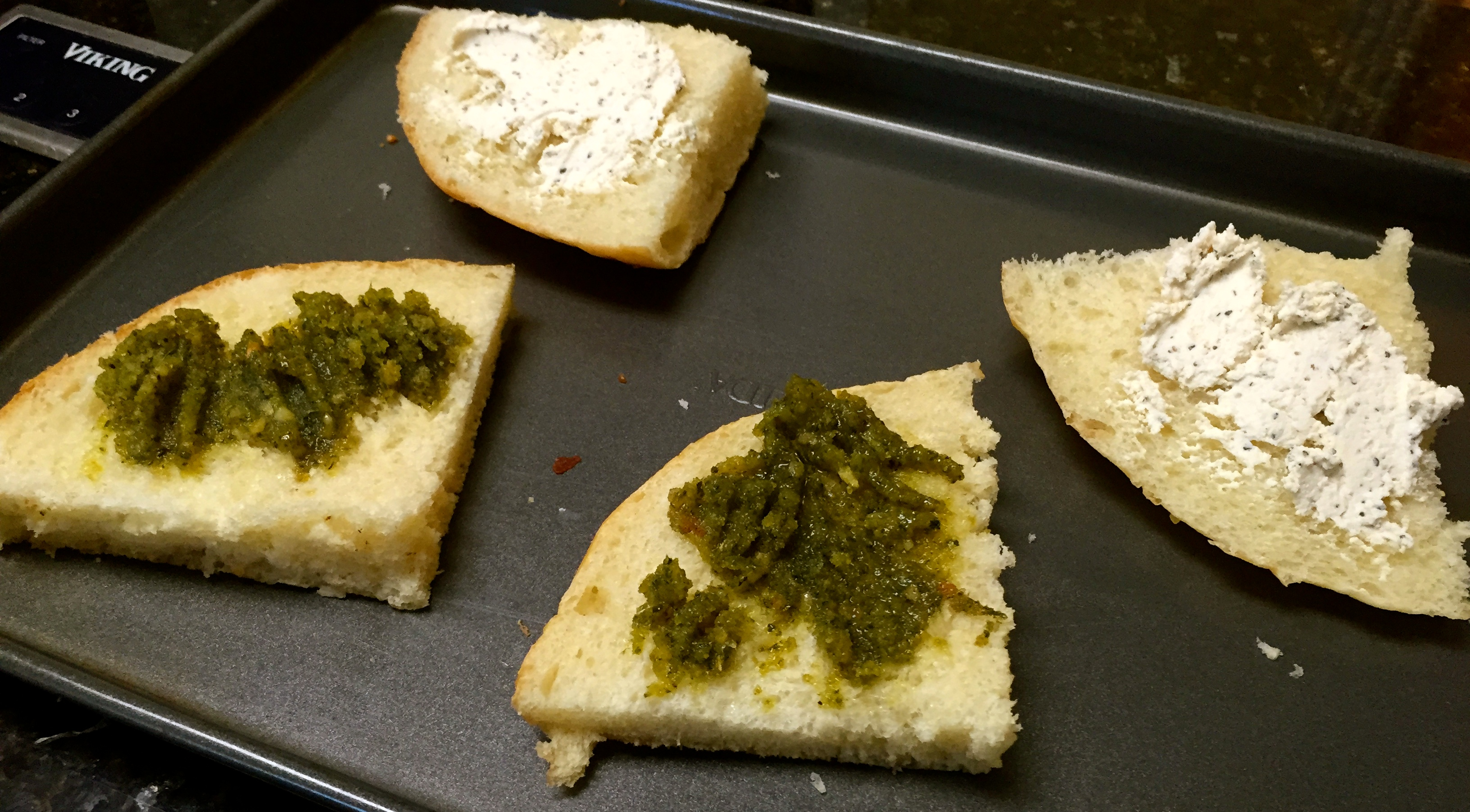 heaven bread with pesto and cheese