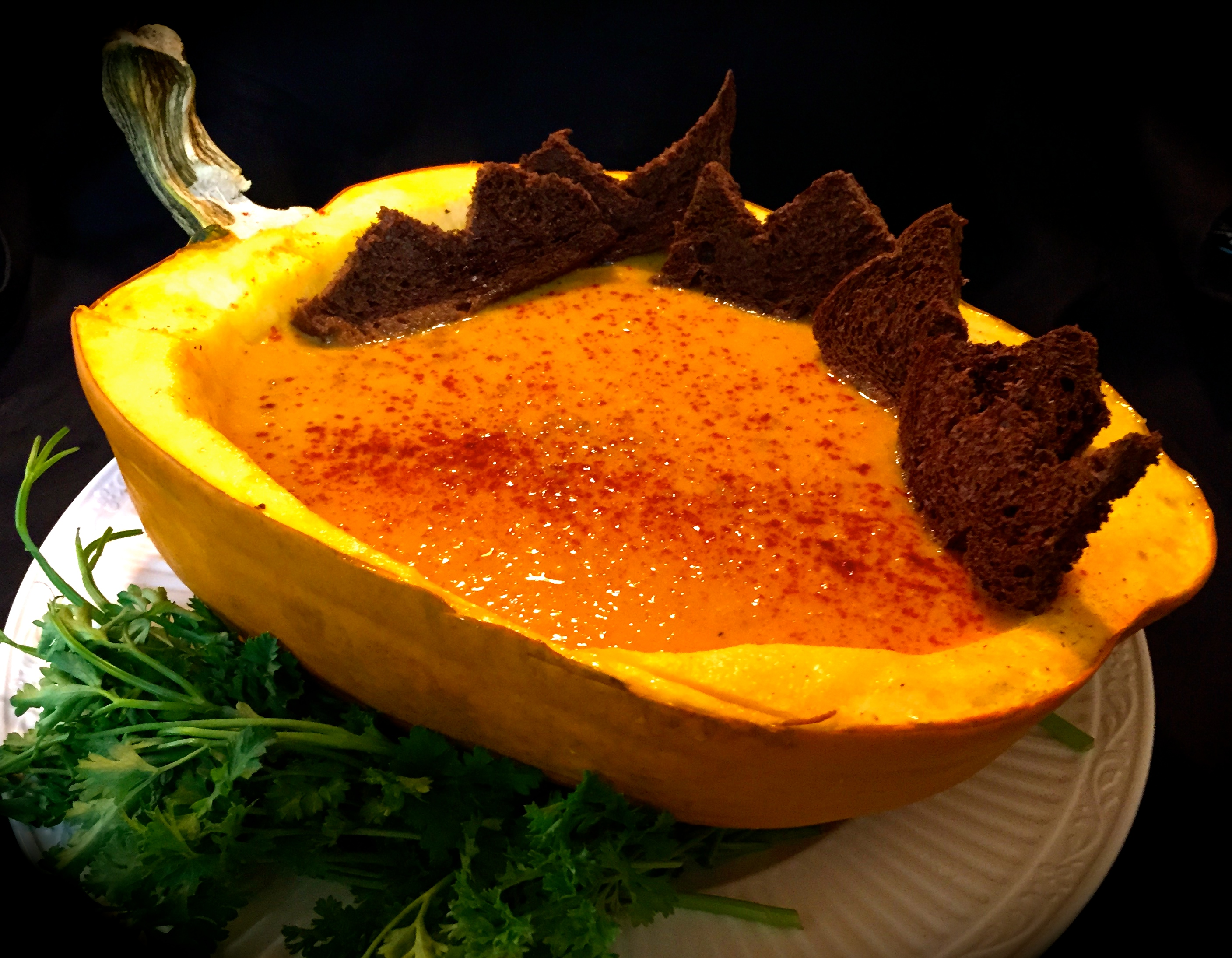 pumpkin-soup-in-shell
